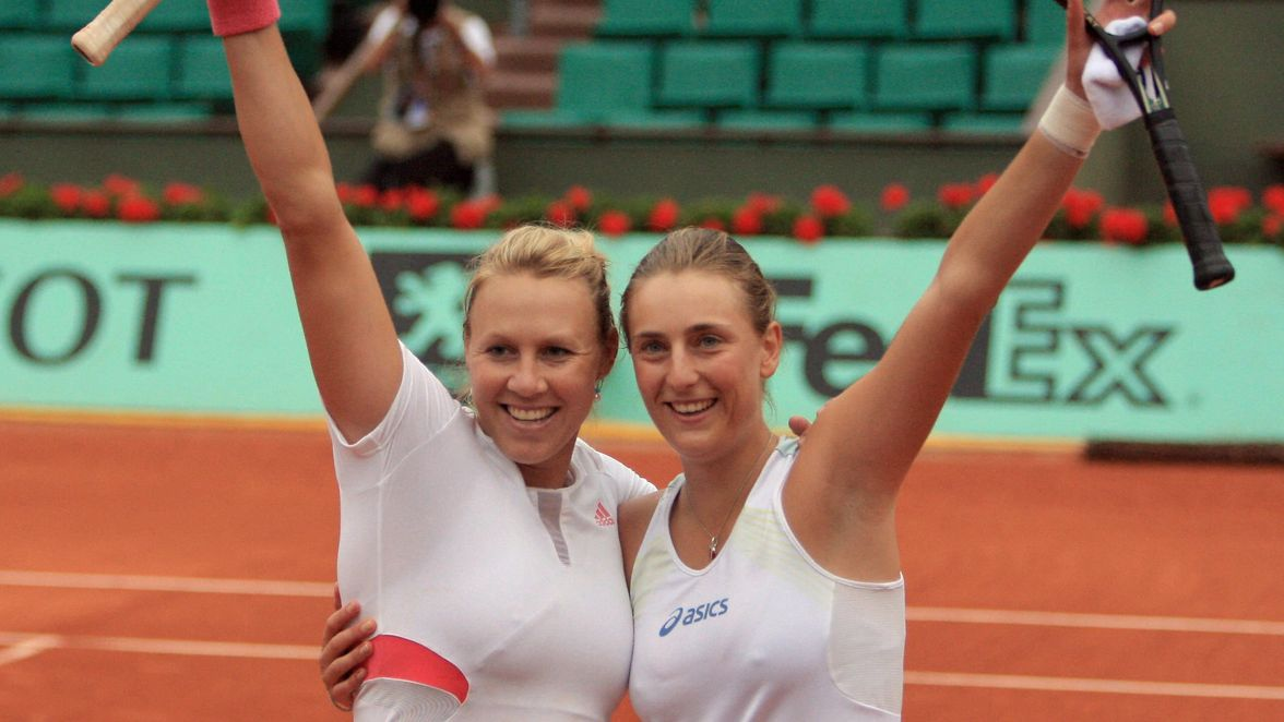 Alicia Molik and Mara Santangelo were the very last team to squeak into the seedings as No.17, but they took that all the way to the title in 2007. It was the second Grand Slam women's doubles title for Molik, and the first for Santangelo.