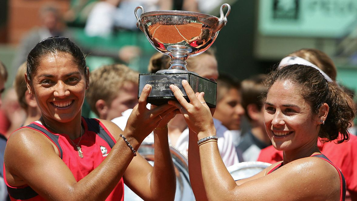 It was back to the winning ways of Suarez and Ruano Pascual in 2004. The team got through tough three-setters in the round of 16 and the quarterfinals on the way to their third Roland Garros title in four years.