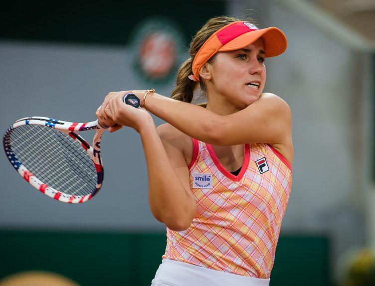 Sofia_Kenin_-_2020_Roland_Garros_Day_3_-DSC_7647_original